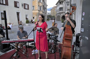<small><small>Fr 17.07.20 20:00<br/></small></small>ANTONELLA & THE HOT HOUSE BAND